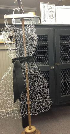 Chicken wire dress. https://www.facebook.com/jodiecurtaincall