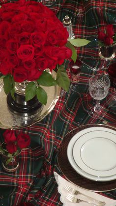 .Holiday table in red and green tartan