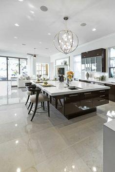 cuisine moderne en brun et blanc