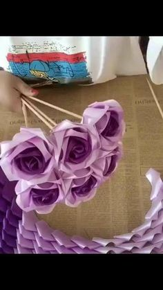 Simple Fabric Crafts You Can Make From Scraps - Diy Crafts Satin Ribbon Flowers, Diy Ribbon, Paper Flowers Diy, Ribbon Crafts, Fabric Flowers, Fabric Crafts, Rose Crafts, Flower Crafts, Fleurs Diy