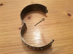 The way this bracelet opens ...