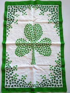 Saint Patricks Day Shamrock Towels Set of 2 Saint Patrick/'s Day Shamrock Towels