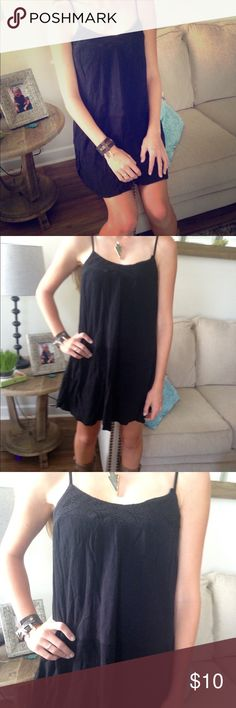 Casual black dress This dress is a vacation dream dress. Easy to pack, wear, and layer! It works great for casual or night out. Gauzy material with a crochet band around top. Mossimo Supply Co Dresses
