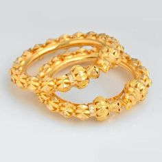 Indian Gold Jewelry Near Me Bridal Jewelry, Gold Jewelry, Jewelry Accessories, Jewelry Design, Jewlery, Nose Ring Jewelry, Buy Gold Jewellery Online, Gold Bangles Design, Designer Bangles