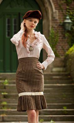 I like her skirt