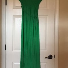 Forever 21 Green Tube Maxi Dress w/rope that ties Forever 21 Green Tube Maxi Dress w/rope that ties 95% Rayon 5% Spandex Forever 21 Dresses Maxi