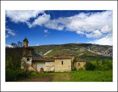 Toba de Valdivielso (Merindad de Valdivielso --Burgos) Mountains, Mansions, House Styles, Nature, Travel, Twitter, Home Decor, Trekking, Walks