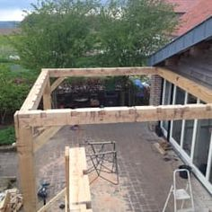The wooden pergola is a good solution to add beauty to your garden. If you are not ready to spend thousands of dollars for building a cozy pergola then you may devise new strategies of trying out something different so that you can re Diy Pergola, Building A Pergola, Pergola Canopy, Metal Pergola, Pergola With Roof, Cheap Pergola, Wooden Pergola, Outdoor Pergola, Covered Pergola
