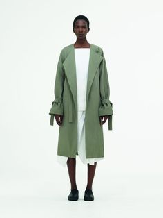 COS Spring Summer 2017 Womenswear Collection