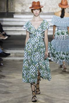 Temperley London | Spring 2016 Ready-to-Wear Collection | Vogue Runway