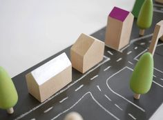 Machi de Kukkia, ciudades de madera y pizarra personalizables #kukkia #juguetes #juguetesdemadera #ninos #toys #woodentoys #kids #toddlers #Japon #Japan
