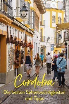 Die Stadt war für uns eine der Schönsten und warum? Das zeigen wir euch in unserem Beitrag. Neben typischen Sehenswürdigkeiten wie die Mezquita, der Alcazar oder der Juderia, findet ihr noch viele weitere Tipps. Hotels, Restaurants, Anreise uvm. Wo liegt die Stadt? Cordoba liegt in Spanien in der Region Andalusien.