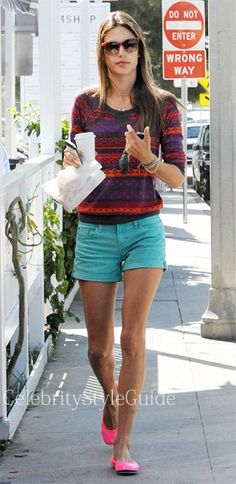 Seen on Celebrity Style Guide: Model Alessandra Ambrosio wore the celebrity favorite, the Splendid Breckenridge Thermal Top, when she and her daughter Anja doing some grocery shopping at Whole Foods in Santa Monica, California on April 10, 2013