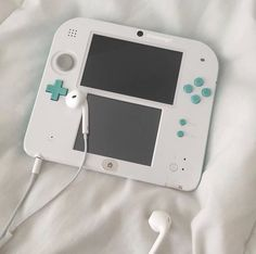 Imagen de aesthetic, blue, and games Retro Aesthetic, White Aesthetic, Kawaii Games, Ds Xl, Nintendo Switch Accessories, Kenma Kozume, Cute Games, Gamer Room, Nintendo Ds