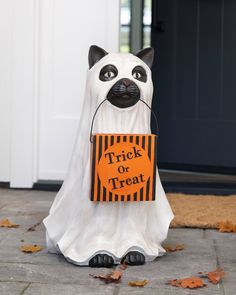 Give good luck and sweet treats to your Halloween guests with this feline friend from Bethany Lowe. Pair with the Life-Sized Dog Candy Bowl for a ghostly great time. Halloween Season, Spirit Halloween, Fall Halloween, Halloween Candy, Thanksgiving Decorations, Halloween Decorations, Realistic Christmas Trees, Window Candles, Whimsical Halloween