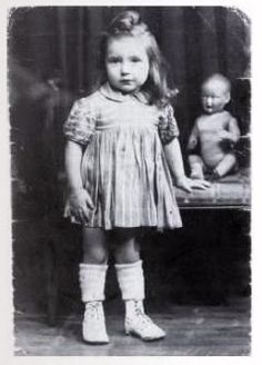 Aline Korenbajzer Nationality: French (Jewish) Residence: Paris, France Death: 1942 Cause: Murdered in Auschwitz (buried in Auschwitz death camp) Age: 2 years