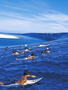 "brooklynhawaii: ""highenoughtoseethesea: "" Chopes reef drain Ph: Joli "" The most captivating place in all the world. """
