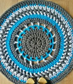 You just have to have this round rug in turquoise, charcoal and silver! It is perfect for any space that just need that extra something! In front of a coff. Crochet Stitches, Crochet Rugs, Round Rugs, Turquoise, Charcoal, Home Decor, Space, Silver, Rugs