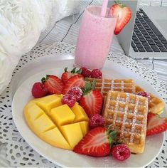 Think Food, I Love Food, Good Food, Yummy Food, Tasty, Yummy Snacks, Food Goals, Aesthetic Food, Food Cravings
