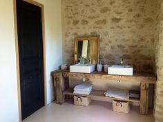 Le meuble vasque : vieil établi. Mademoisellede sur Casanaute.com