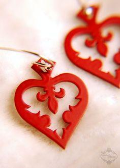 Fleur de lis jewelry heart spade earrings in red finish stainless steel - Alice in Wonderland valentine jewelry