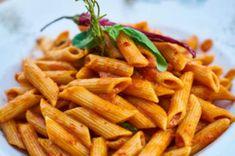 Recetas, recetas faciles, macarrones, espagueti, carbonara, ravioli, pasta carbonara, fetuccini, macarrones con queso, ravioles, fideo, tallarines, espaguetis a la carbonara, espaguetis carbonara, pasta al pesto, raviolis, espagueti a la boloñesa todo lo que debes conocer. Pasta Al Pesto, Creamy Tomato Pasta, Pasta Carbonara, Pasta Recipes Masala, Pasta Recipes In Hindi, Spicy Dishes, Vegan Parmesan, Drying Pasta, Gluten Free Pasta