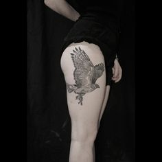 An LA boy, born & bred, Nate Fierro relishes a creative challenge from our customers at High Voltage Tattoo. Small Eagle Tattoo, Eagle Tattoos, Tattooed Women, Tattoos For Women, Awesome Tattoos, Cool Tattoos, Piercing Tattoo, Piercings, Hawk Tattoo