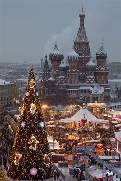 Christmas Scenery, Cosy Christmas, Christmas Feeling, Christmas Wonderland, Winter Scenery, Christmas Photos, Christmas Lights, Holiday Photos, Beautiful Christmas Pictures