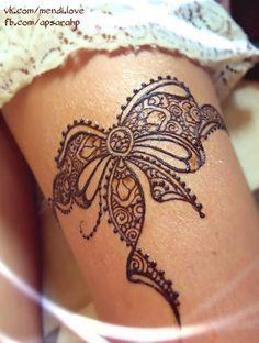 """Képtalálat a következőre: """"lower back henna tattoos"""""""