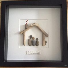 Pebble art family pebble art family of three, fathers day.- Pebble art family 4 pebble art family of three fathers day Stone Crafts, Rock Crafts, Diy Crafts, Pebble Pictures, Art Pictures, Art Couple, Valentine Day Gifts, Valentines, Pebble Art Family