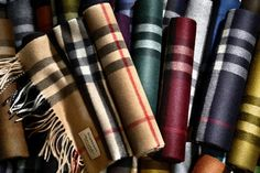 Burberry Opens 'Scarf Bar' For Personalised Neckwear - Tartan, Plaid, Bape, Zapatillas Louis Vuitton, Diy Scarf, Burberry Men, Burberry Makeup, Cashmere Scarf, Gingham
