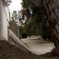 @yoland_zonder getting up there. Brew Swet Skateboards.
