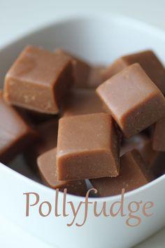 Pollyfudge Christmas Sweets, Christmas Candy, Christmas Baking, Homemade Sweets, Homemade Candies, Candy Recipes, Baking Recipes, Candy Cookies, Albondigas