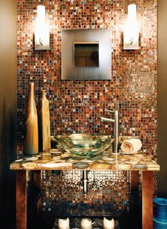 Backsplash Ideas Love this look.wonder about making a penny backsplash? Bathroom Renovations, Home Remodeling, Bathrooms Decor, Penny Wall, Penny Backsplash, Backsplash Ideas, Bel Air Mansion, Home Living, Inspired Homes