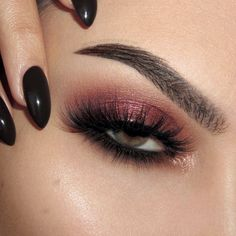 Shimmery red makeup look with NARS Wanted palette