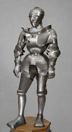 Armor from Nuremberg, 1525-1530. Owned by  Duke Ulrich, Son of Heinrich of Württemberg (1487 - 1550). KHM Vienna