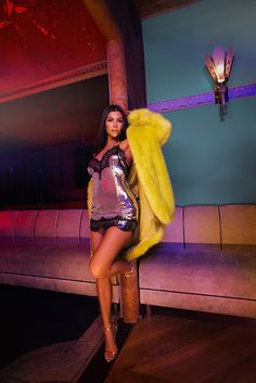 A coleção super sexy e glam da Kourtney Kardashian para Pretty Little Things