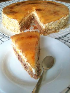 A typical spanish cake with cream, chocolate and egg yolk. Cuban Recipes, Sweet Recipes, Cake Recipes, Christmas Cake Recipe Traditional, Spanish Desserts, Christmas Cake Decorations, Pastry Cake, Food Cakes, Sweet Bread