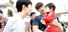 Kim Woo Bin and 2PM's Junho w/baby on Twenty set