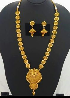 Jewellery India Jewelry, Gold Jewelry, Jewelery, Gold Mangalsutra, Gold Earrings Designs, Gold Set, Jewelry Patterns, Gold Bangles, Bengali Jewellery