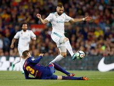 Benzema slide tackled by Piquè Real Madrid, Champion, Soccer, How To Remove, Challenges, Football, Running, Sports, Europe