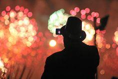 Los empleados del sector público y privado en los Emiratos Árabes Unidos tendrán tres días festivos en el comienzo del nuevo año 2015, incluyendo el aniversariodel profeta Mahoma, según declaró un alto funcionario de la Autoridad Federal de Recursos Humanos del Gobierno al diario digital Emirates 24/7. Los tres días festivos serán desde el jueves, 1 de enero de 2015 al sábado, 3 de enero de 2015. El trabajo se reanudará el domingo, 4 de enero. El primer día del nuevo año 2015, el jueves, 1…