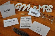 Schöne, kreative Einladungen und Kartendesigns #Motschico #Einladung #Tischnummer #Savethedate #Aufkleber #Monogramm