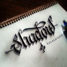 Neben Handlettering im Allgemeinen und Calligraffitiim Speziellen, versucht sichTolga Girgin aus der Türkei auch an 3D-Lettering. Dabei bringt er mittels BleistiftundKalligrafie-Füllerverschiedene typografische Schriftzeichen aufs Papier. Die erhalten