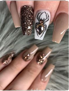 halloween nails Beautiful nails by haha_nails_ Ugly Duckling Nails page is dedicated to promoting quality, inspirational nails created by International Halloween Nail Designs, Halloween Nail Art, Fall Nail Designs, Halloween Eyeshadow, Halloween Recipe, Halloween Couples, Group Halloween, Halloween Halloween, Halloween Makeup