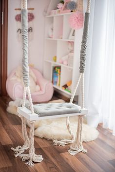 Bedroom Swing, Wood Swing, Kids Swing, How To Make Rope, New Room, Home Living Room, Home Interior Design, Ladder Decor, Gray Color
