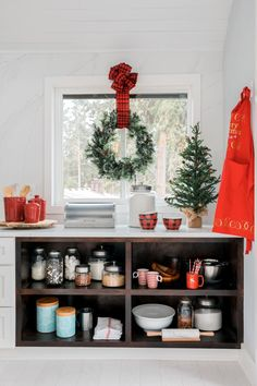 cozy and coastal holidays at hgtv dream home
