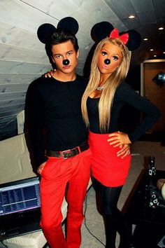 Hallowen Costume Couples Last Minute Couples DIY Halloween Costumes. Honestly, Halloween usually makes me feel lonelier than Valentine's Day. Costume Halloween, Halloween Diy, Happy Halloween, Halloween Couples, Halloween Clothes, Mickey Costume, Mickey Halloween, Halloween Outfits, Mini Mouse Costume