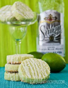 These margarita cookies are amazing.  A buttery shortbread cookie with lime, a sweet glaze and a sugary (and slightly salty) crunch.   So good! #cincodemayo #recipe #cookies #lime