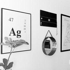 Silver print. Wallstuff. 30 x 40cm . Black and White